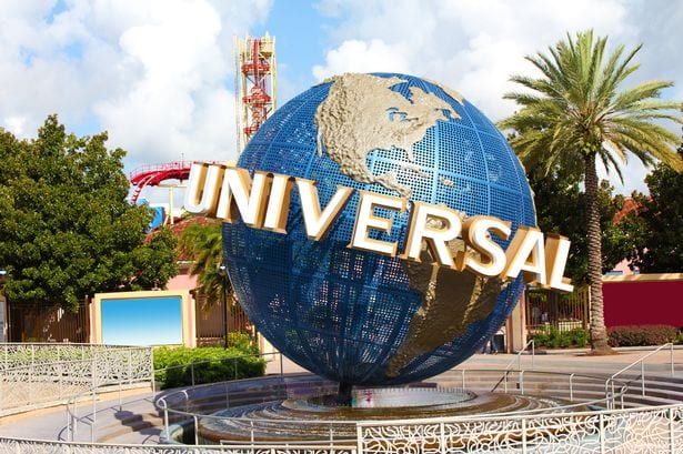 universal globe at universal studios theme park